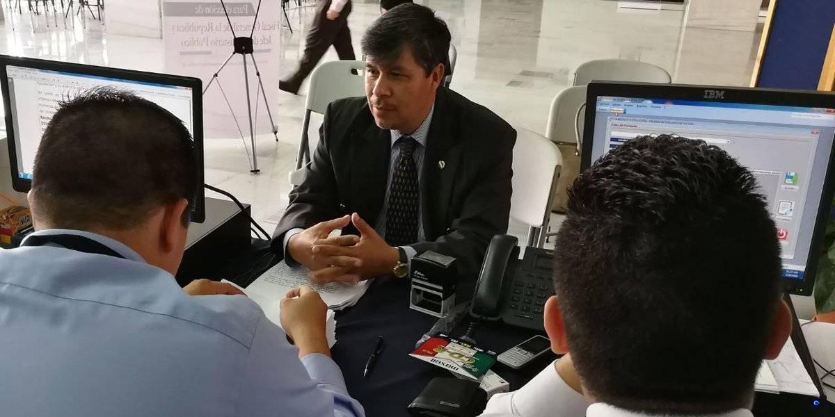 Dos candidatos a fiscal general llevan sus pruebas de descargo