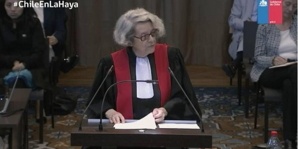 """Alegatos en la Haya: Abogada francesa alega que """"Chile se beneficia de una paz injusta"""""""