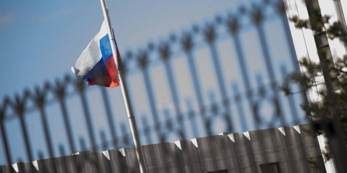 Estados Unidos y la Unión Europea expulsan a decenas de diplomáticos rusos