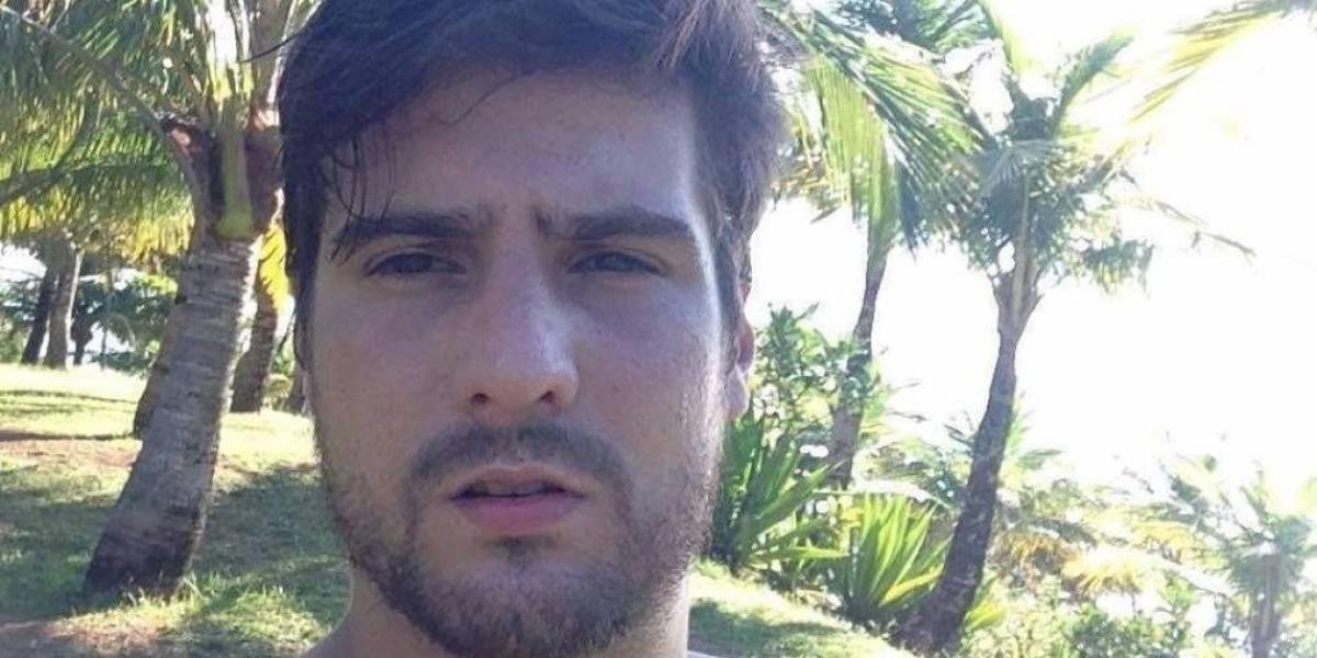 Jovem é morto na frente de irmã e esposa após festa de formatura
