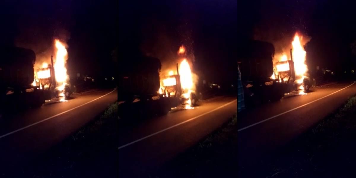 ELN habría incendiado una tractomula en Buenaventura