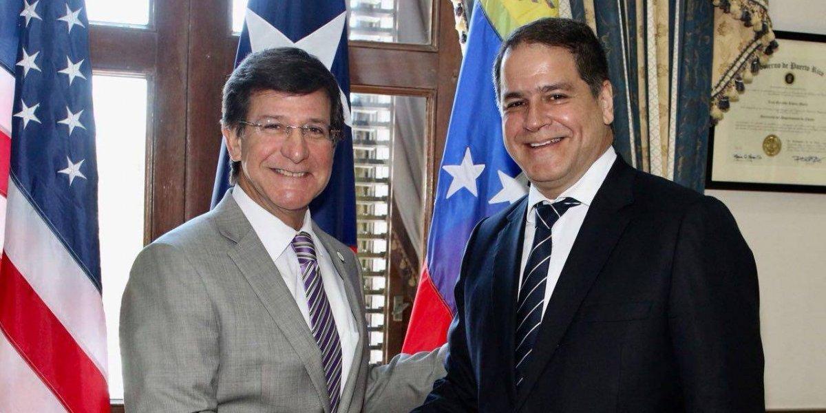 Gobernador interino recibe a político venezolano