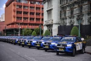Gobierno entrega nuevas autopatrullas a la PNC