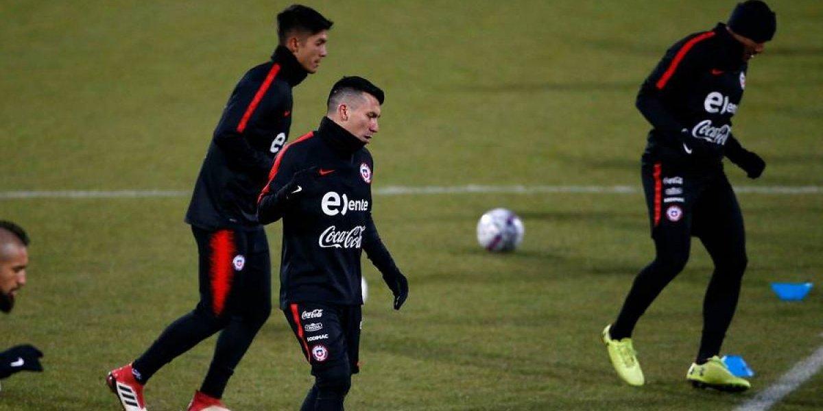 Medel al medio, Díaz por Isla y sin Aránguiz: el equipo de la Roja que prepara Rueda ante Dinamarca