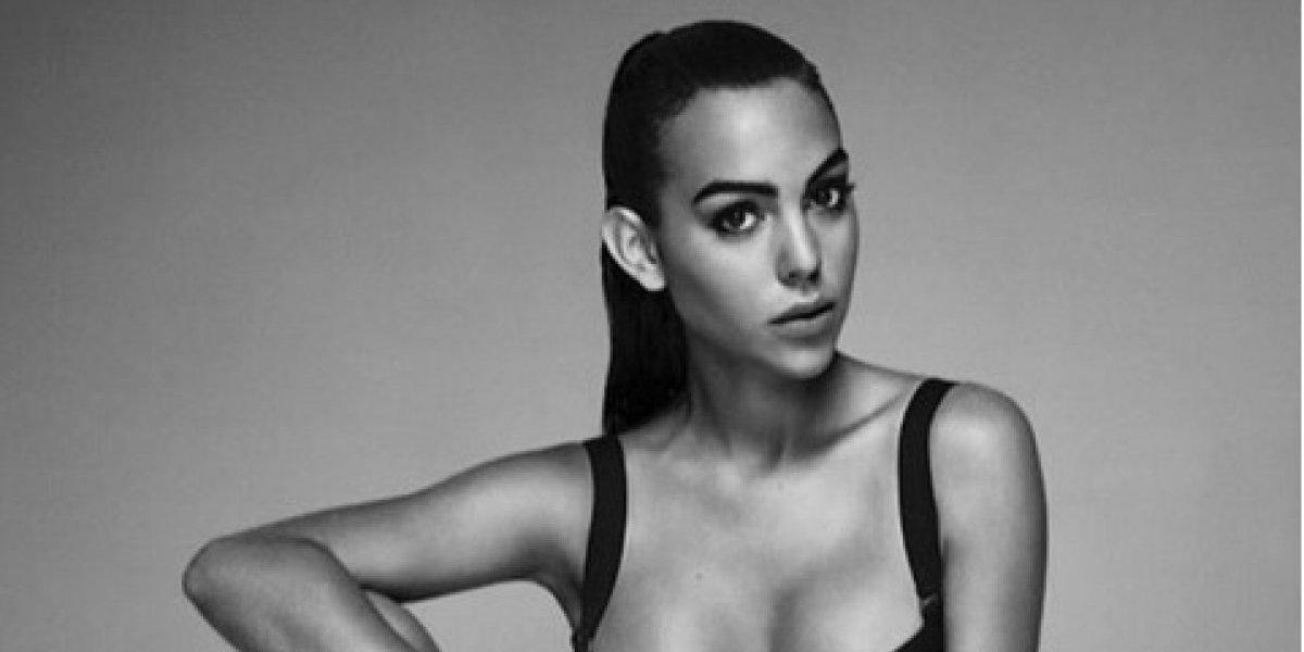 Novia de Cristiano Ronaldo recibe críticas por foto en sexy bikini