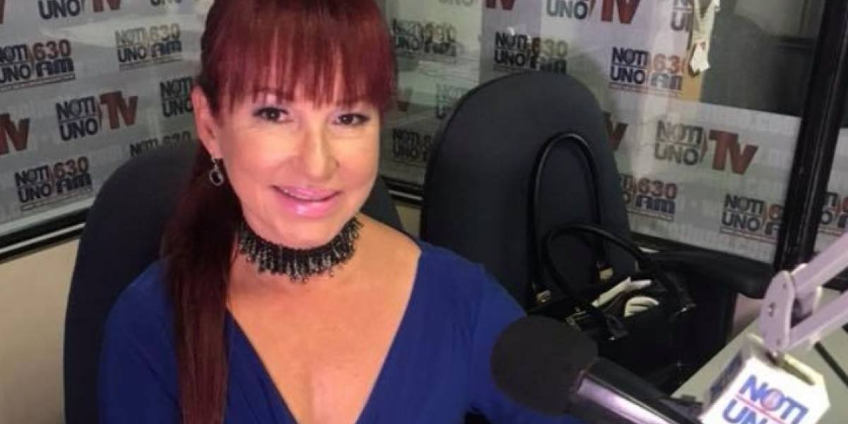 Le piden el número a Luz Nereida Vélez