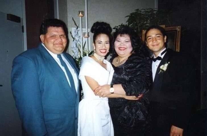 Selena y Chris el día de su boda