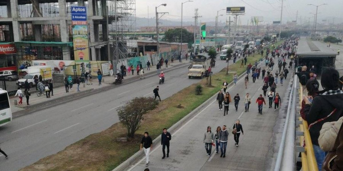 ¡Atención! Bloqueos en la vía principal de Soacha complican el ingreso y la salida a Bogotá