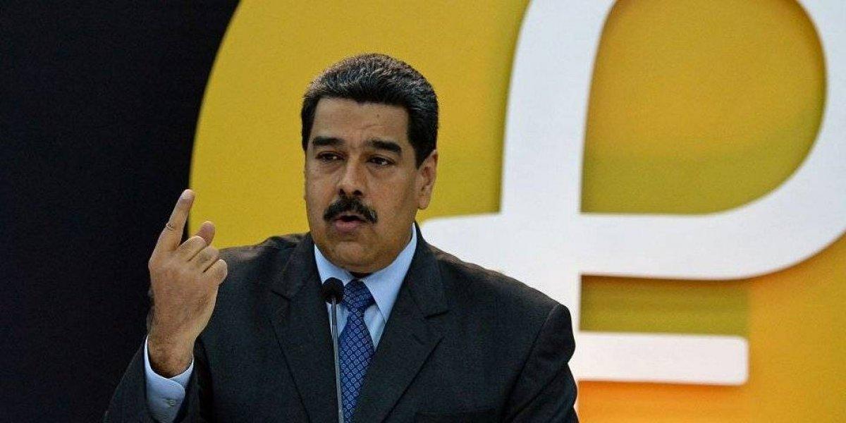Maduro ofrece a negociar con la oposición en Venezuela y acusa a Trump de tratar de matarlo