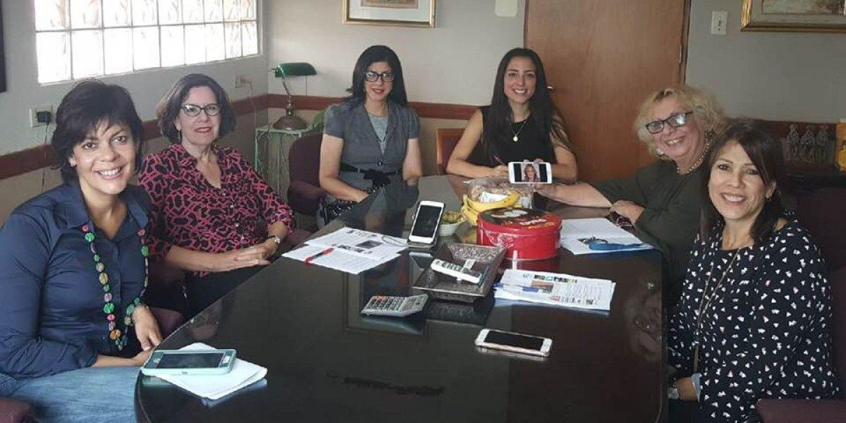 Se unen mujeres para combatir la Junta de Control Fiscal