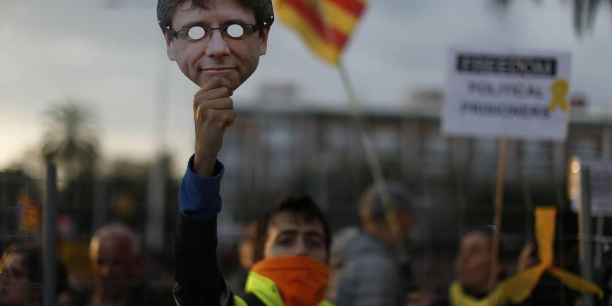 Se crispa el ambiente en Cataluña tras detención del ex presidente Puigdemont