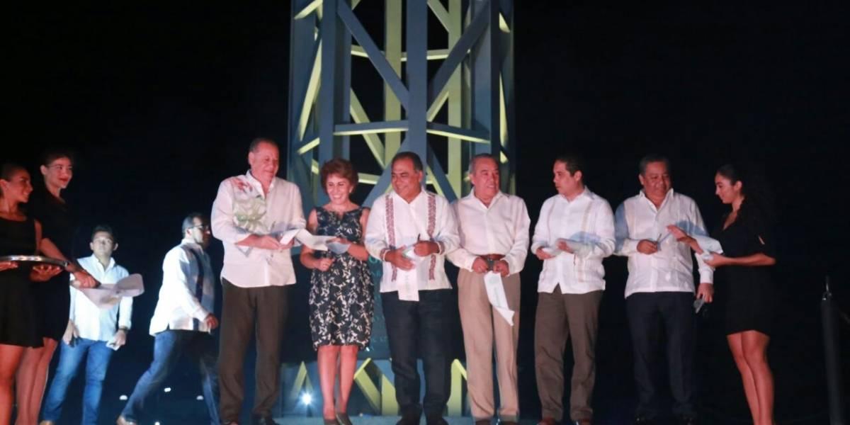"Astudillo Flores inaugura ""Alma Imperial"", escultura de 35 metros de altura"