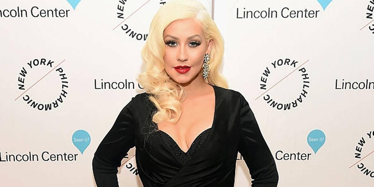 Christina Aguilera é lindíssima sem maquiagem! Duvida? Vem ver