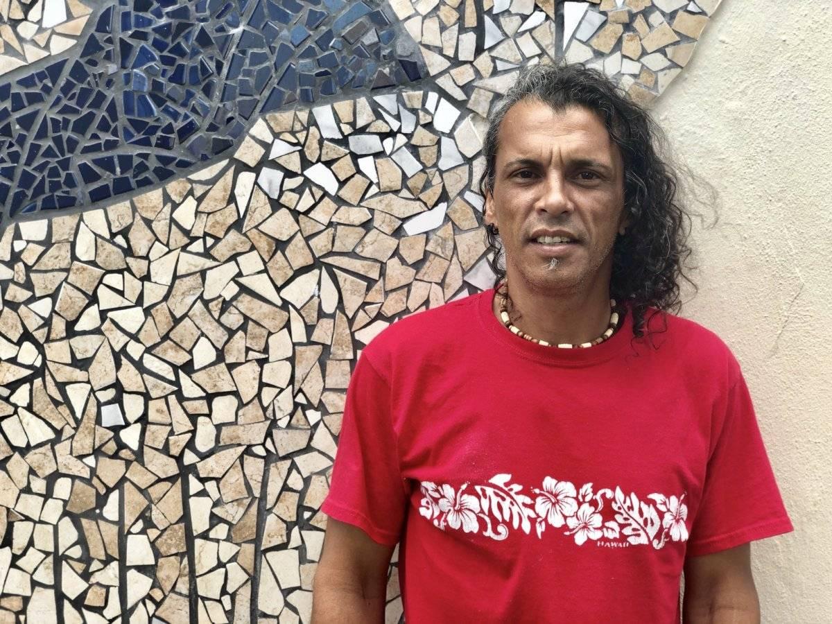 Víctor López, de 48 años, es una de las 60 personas que actualmente reside y recibe ayuda en el Hogar del Buen Pastor. / David Cordero Mercado