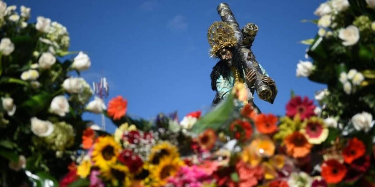 """Miles de ofrendas florales para """"La Reseña"""" este Martes Santo"""