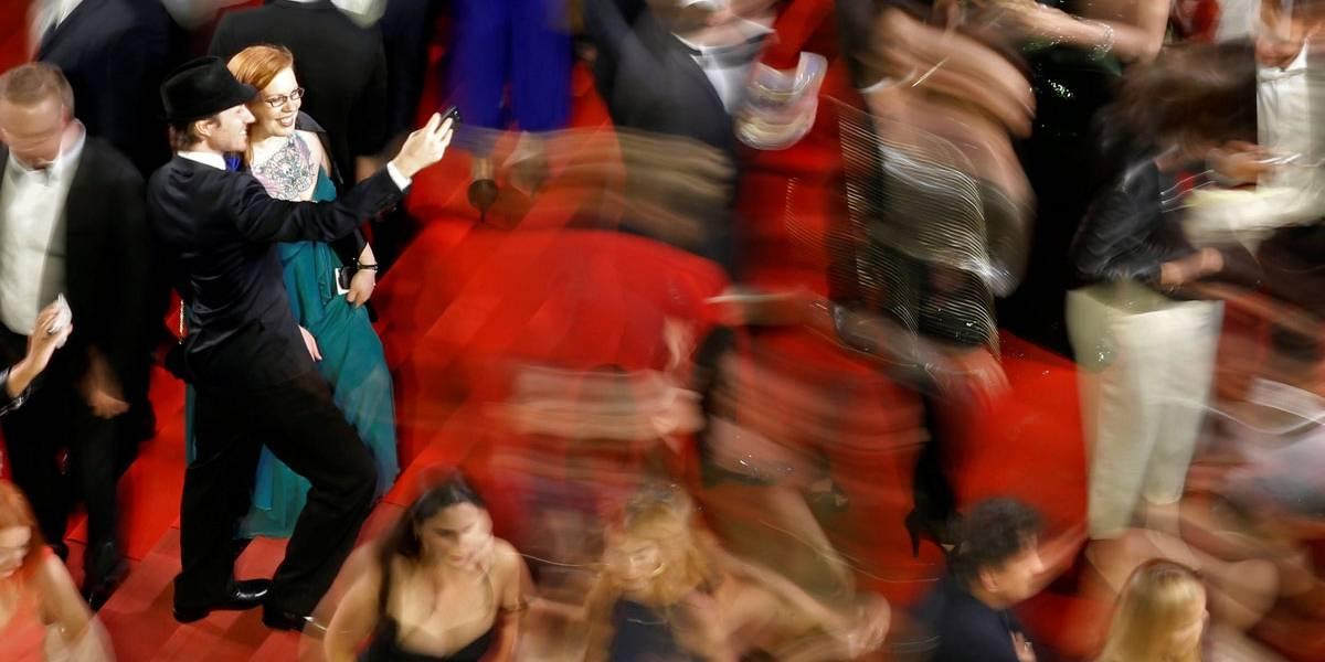 Festival de Cannes bane Netflix e proíbe selfies no tapete vermelho