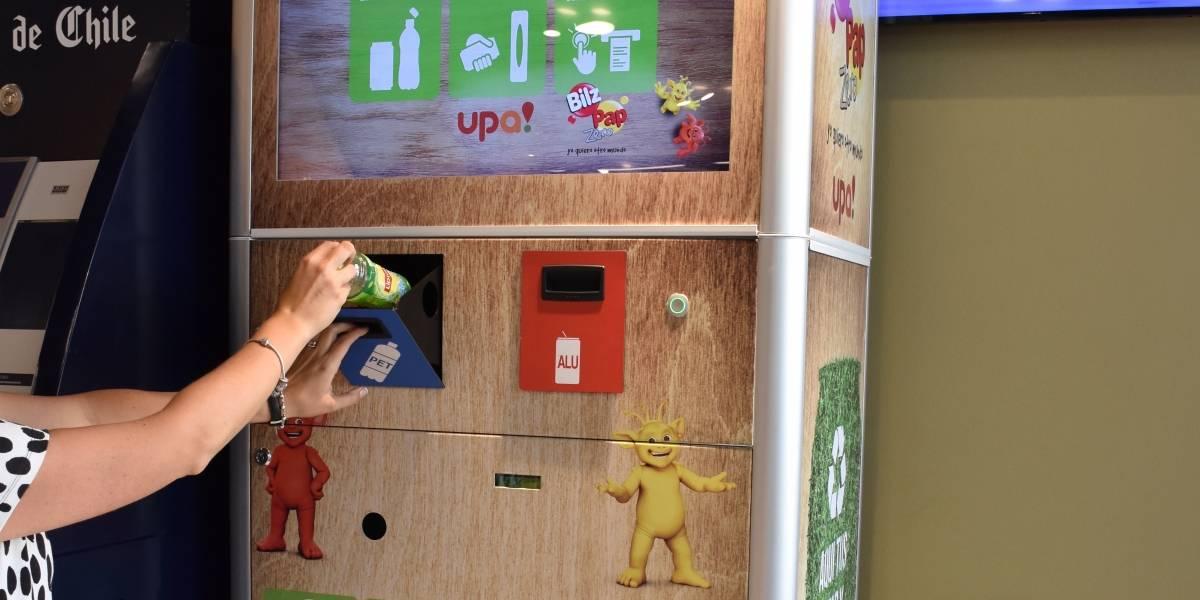 Lanzan piloto para reciclaje en las tiendas de conveniencia de las bombas Shell