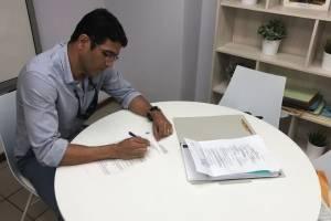 Ricky Rolón oficializa candidatura para el Distrito #27