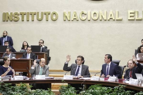 Pleno del Consejo General del INE.