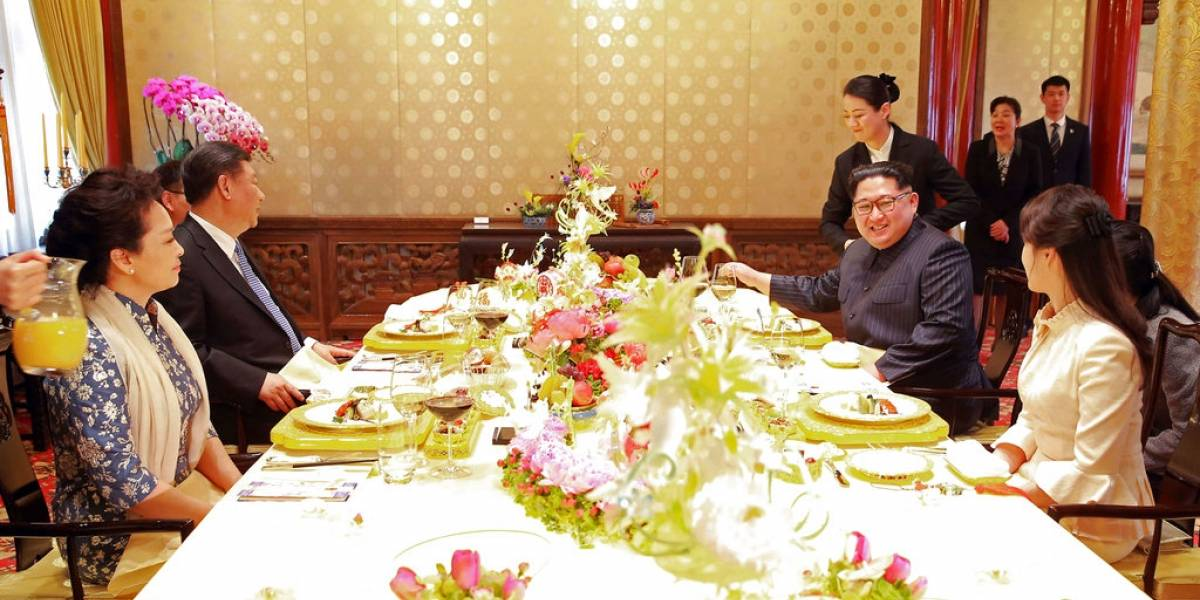Amenazó al mundo con misiles y ahora sonríe, hace brindis y Trump le manda saludos: las fotos que muestran la brutal transformación de Kim