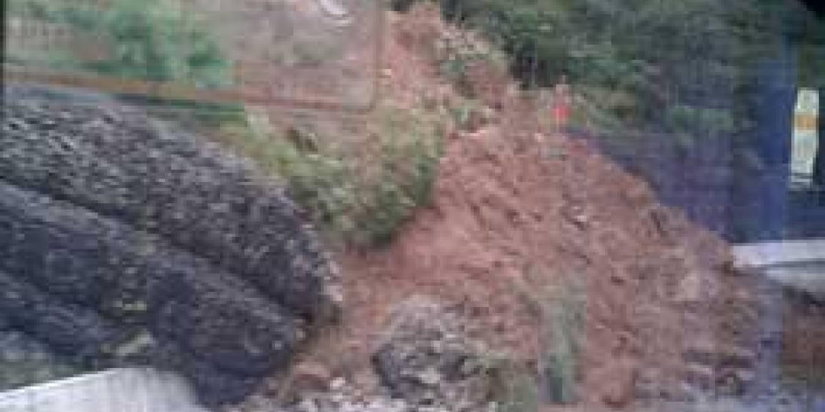 Trecho da Mogi-Bertioga continua interditado