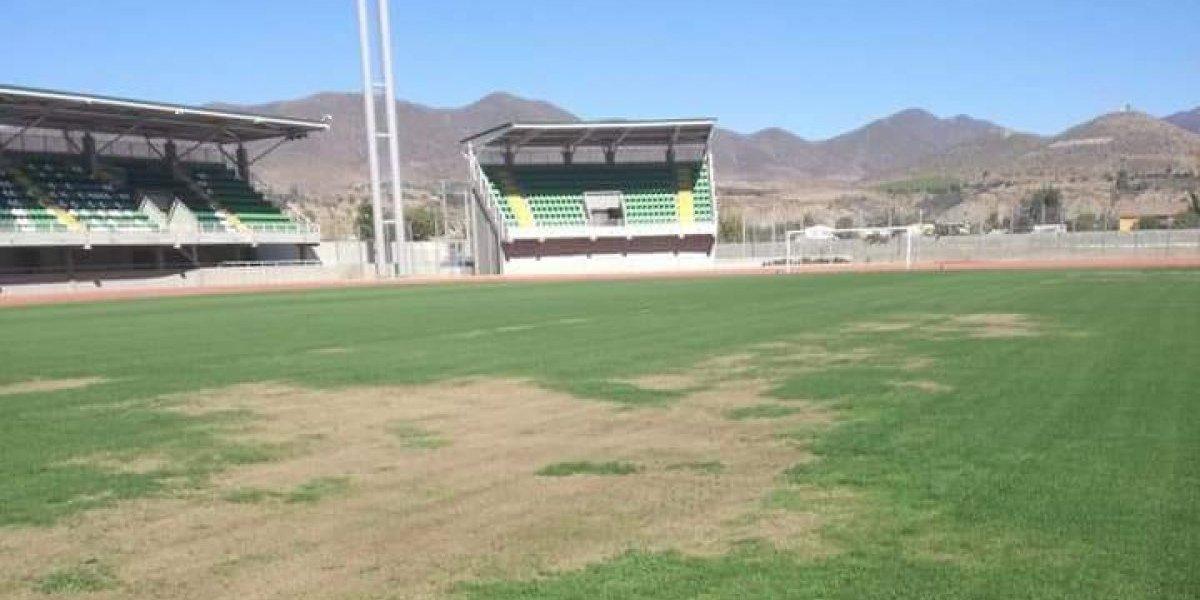Ovalle se baja de la Copa América Femenina por el pésimo estado del campo de juego