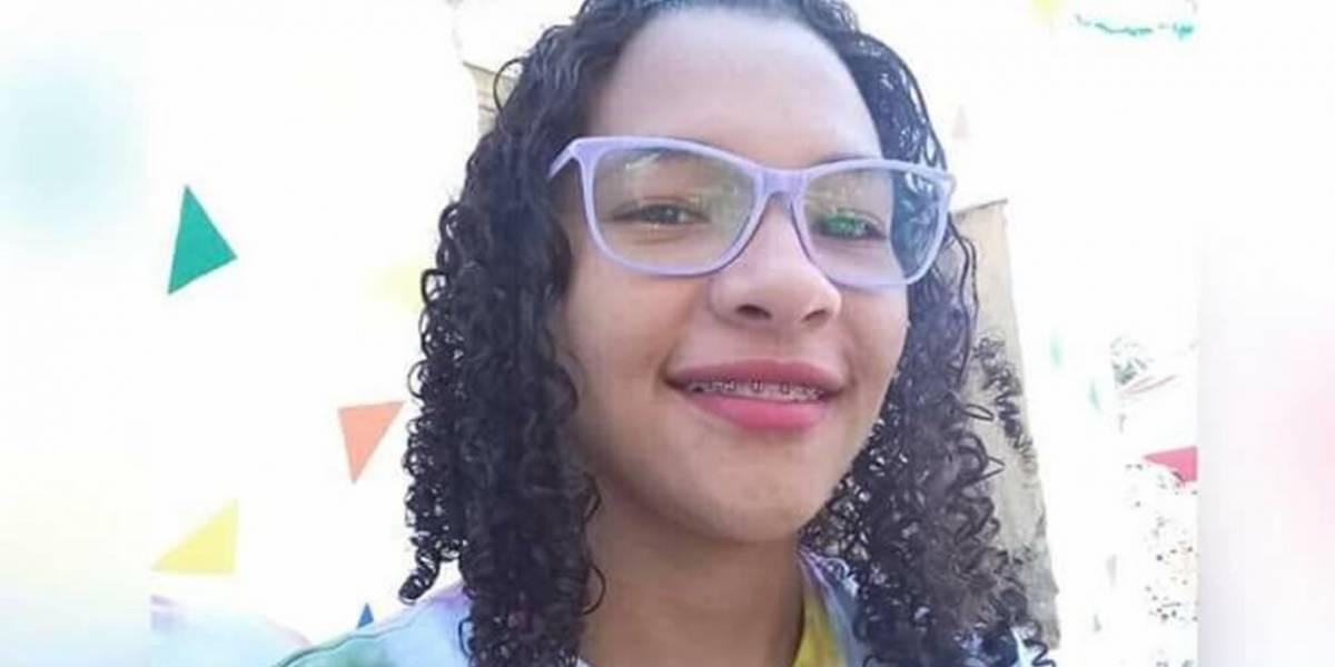 Fue hallada muerta con señales de asfixia cerca de un colegio