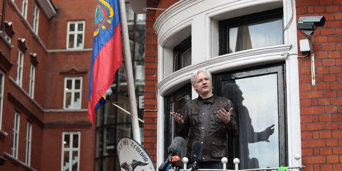 AMPLIACION: Ecuador suspende sistemas de comunicación de Julian Assange
