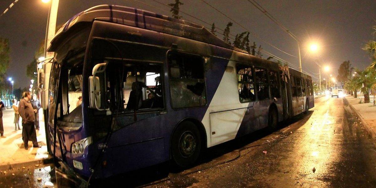 """Choferes del Transantiago evalúan suspender servicios si hay desmanes en el """"Día del Joven Combatiente"""""""