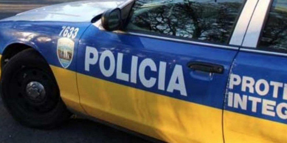 Vehículo gris confundido con el de la Policía pertenece a cobrador de cuentas de banco