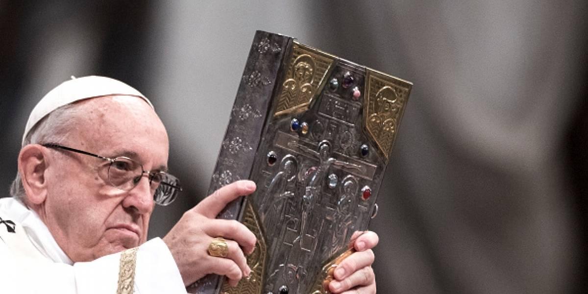 El papa Francisco le envió un rosario al exvicepresidente Jorge Glas