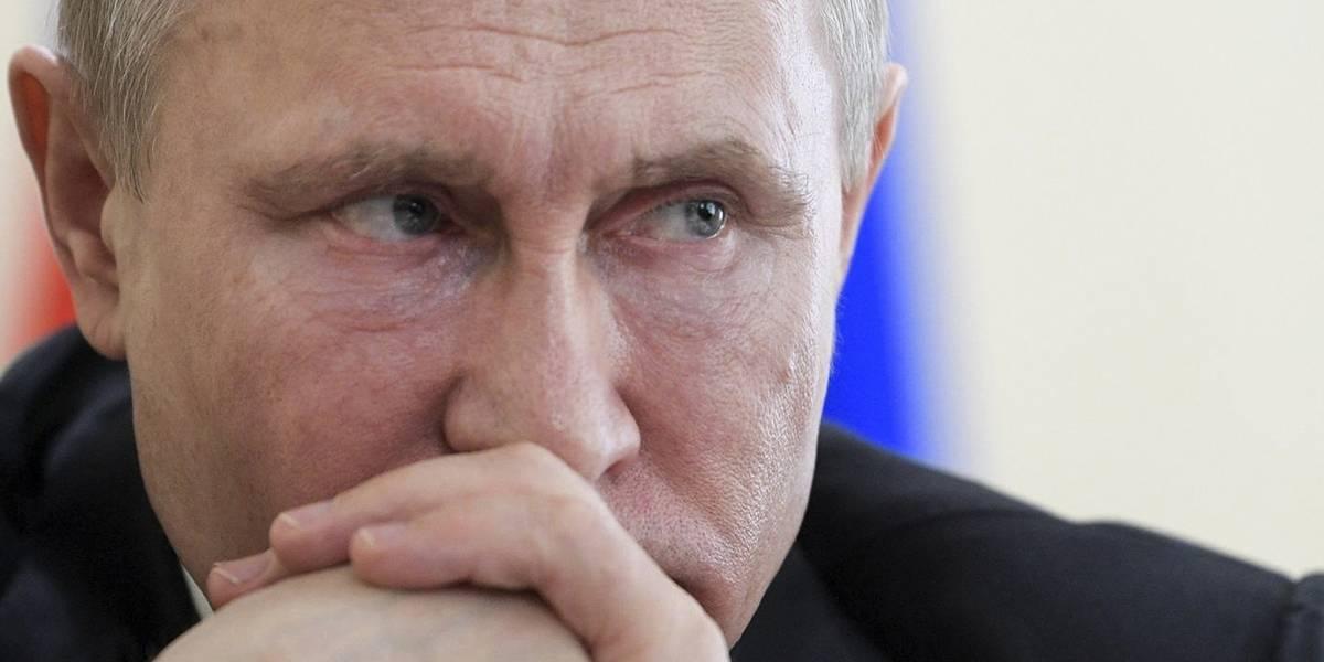 """La """"dura respuesta"""" de Rusia: expulsa a 60 diplomáticos estadounidenses por caso de ex espía"""