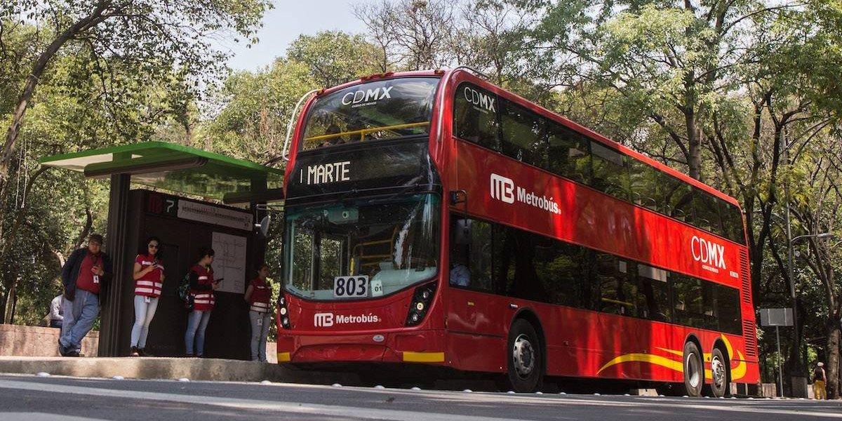 Metrobús cierra varias estaciones este sábado por Día de Muertos