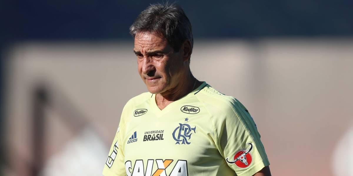 Flamengo demite Carpegiani e o diretor Rodrigo Caetano