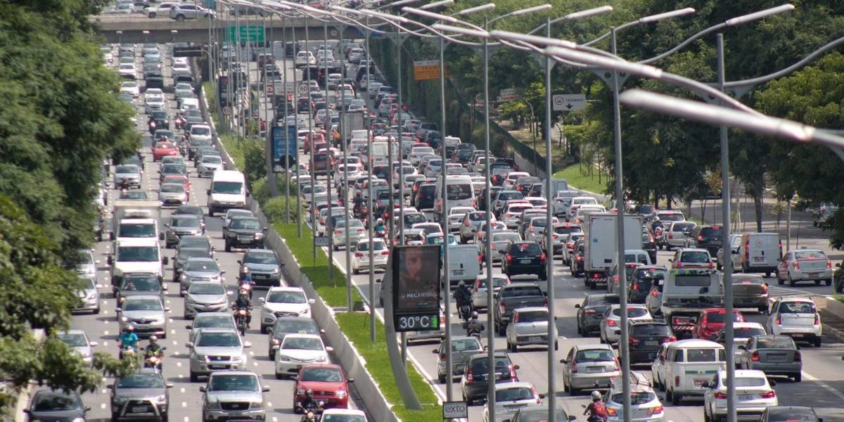São Paulo registra congestionamento recorde do ano nesta quinta-feira