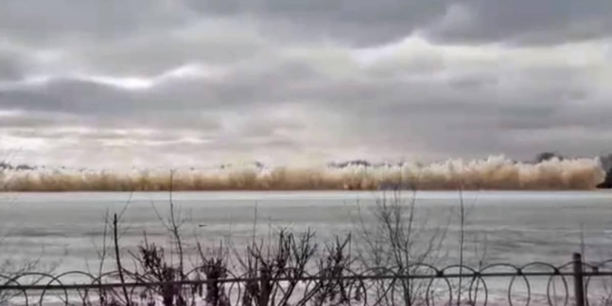 ¡Impactante! Video capta una explosión que hace volar los vidrios de varios edificios