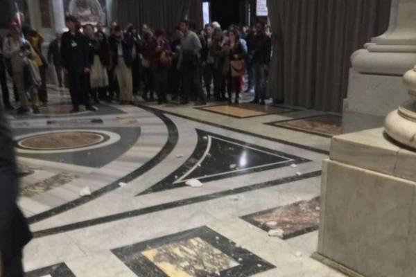Reproducción accidente en Basílica de San Pedro