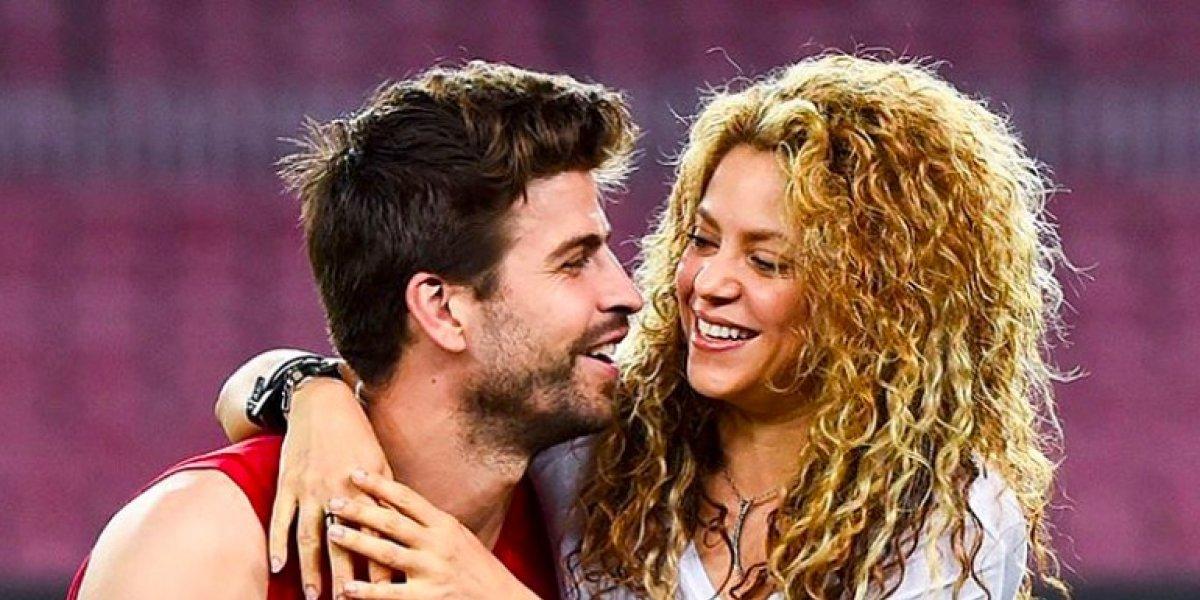 Gerard Piqué le da a Shakira una pícara muestra de amor y enciende a sus fans