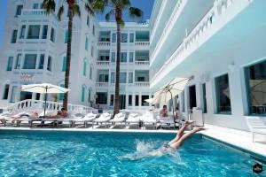 Hotel Es Vivé