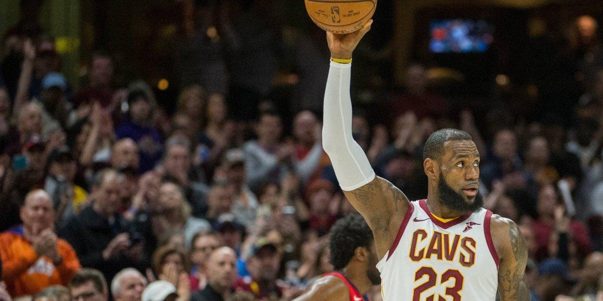 LeBron James supera récord de Jordan y los Rockets siguen intratables en la NBA