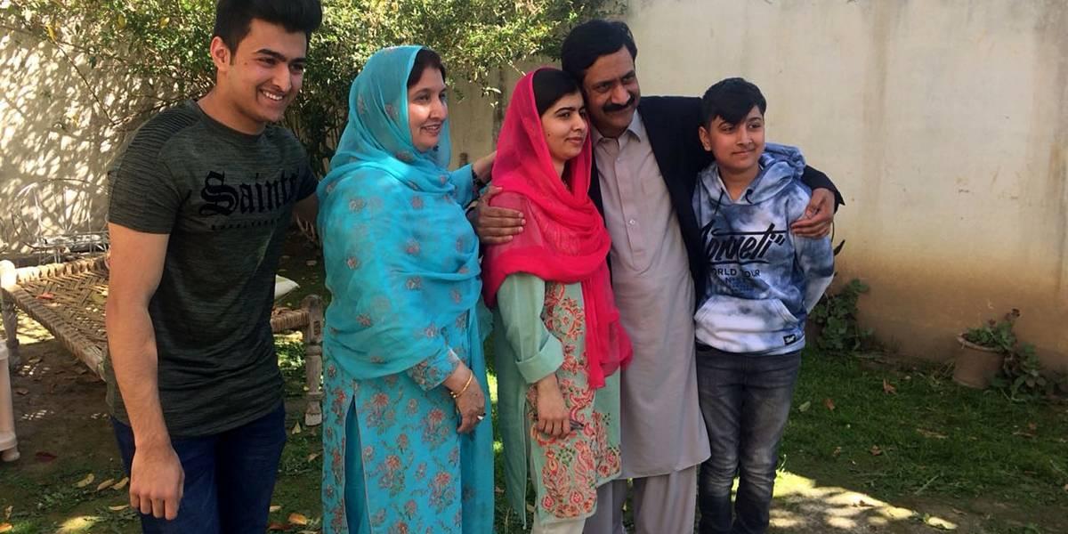 Malala Yousafzai visita su pueblo natal por primera vez en seis años