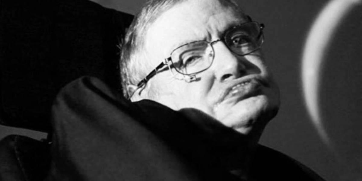 VIDEO. Así se despiden familiares y amigos del astrofísico británico Stephen Hawking