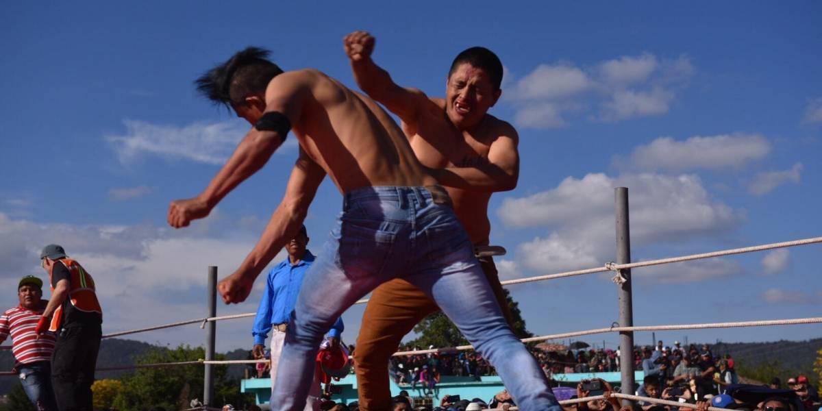 """Las fotos más hilarantes de las peleas a puño limpio en """"Chivarreto"""""""