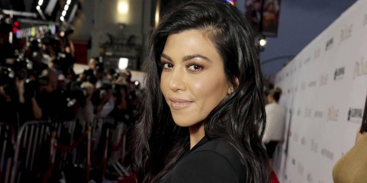 La foto sexy en la que Kourtney Kardashian posa con poca ropa y sobre su novio