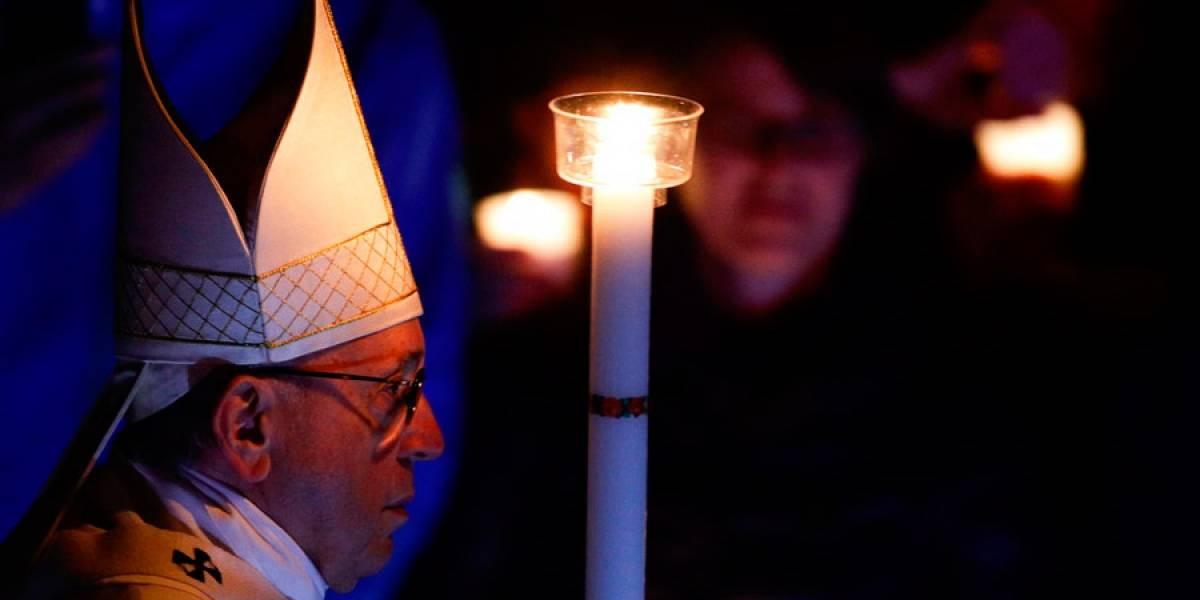 Papa Francisco celebra Vigilia Pascual con bautizo de nigeriano