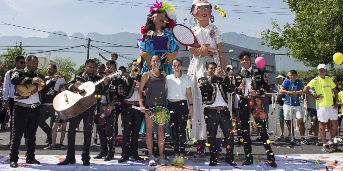 Con mariachis y piñata da inicio el Abierto Monterrey