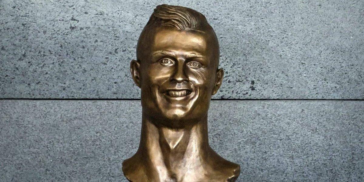 Artista de la polémica estatua de Cristiano Ronaldo realizó una nueva y se reivindicó