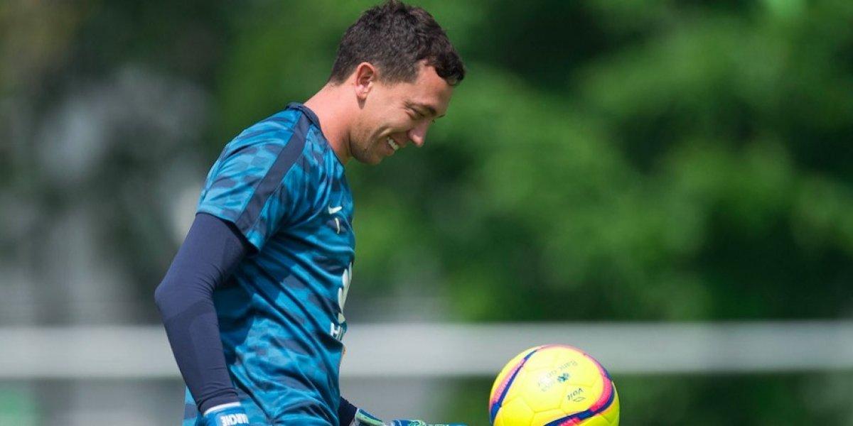 Agustín Marchesín presume playera de la Selección mexicana