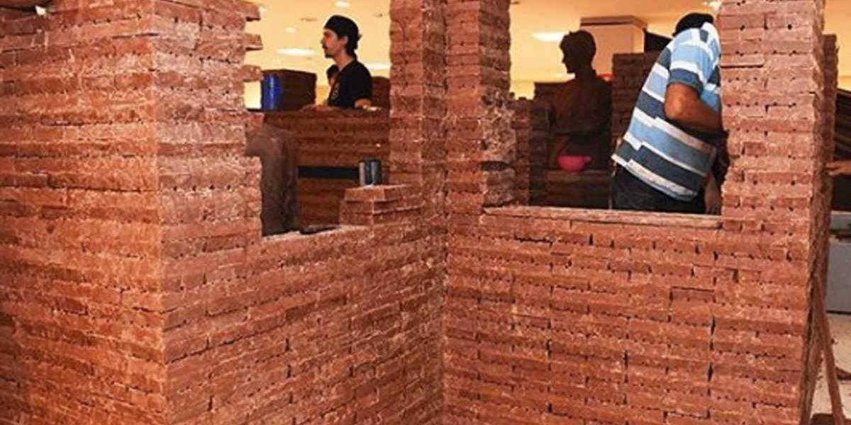 Maior casa de chocolate do mundo fica em Uberaba e tem 2,4 metro de altura