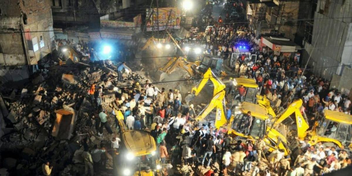 Mueren 10 personas en India tras derrumbe de hotel